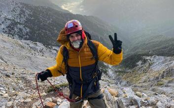 Μάριος Γιαννάκου: «Τη γύρισα 360 μοίρες για να δει την Ελλάδα από το πιο ψηλό σημείο της»