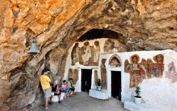 Άγιος Ιωάννης Καπετατανιανών, η μονή στην Κρήτη σμιλεμένη μέσα σε βράχο