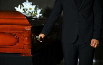 Απίστευτη ιστορία στη Ρόδο: Κήδεψαν τον πατέρα τους και εκείνος βρισκόταν σε ίδρυμα