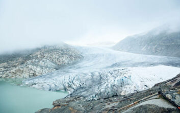 Ανησυχία προκαλεί το λιώσιμο των ελβετικών παγετώνων