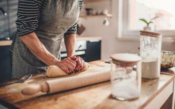 Γιατί το ψήσιμο ψωμιού βοηθάει στη μείωση του άγχους
