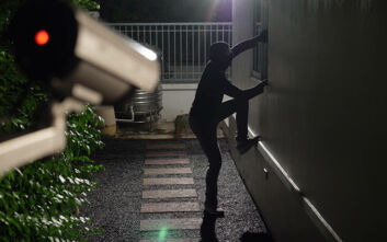 Εξαρθρώθηκε σπείρα στην Πάτρα που είχε «γδύσει» τουλάχιστον 18 σπίτια