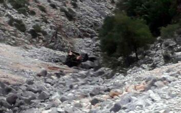 Τροχαίο δυστύχημα στο Αγρίνιο - Αγροτικό όχημα με δύο επιβαίνοντες έπεσε σε χαράδρα