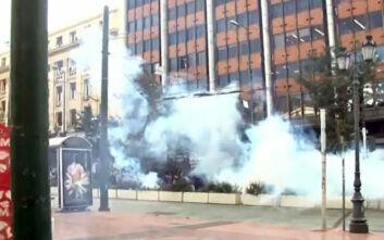Πολυτεχνείο: Ένταση τώρα στο κέντρο της Αθήνας - Χημικά και αύρες κατά των συγκεντρωμένων