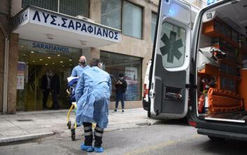Ξεκίνησε η διακομιδή των ασθενών από την ιδιωτική κλινική «Σαραφιανός» στη Θεσσαλονίκη - Δείτε φωτογραφίες