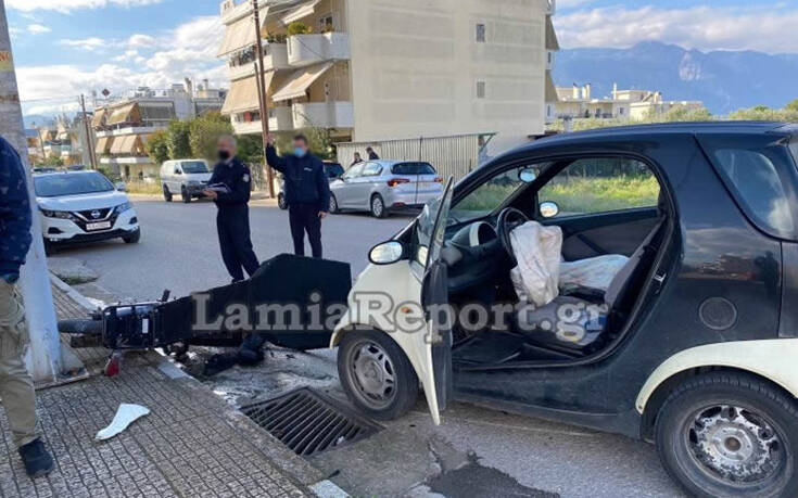 Σοβαρό τροχαίο με ντελιβερά στη Λαμία – Το μηχανάκι μετά τη σύγκρουση έπεσε πάνω σε δύο γυναίκες που περπατούσαν 12