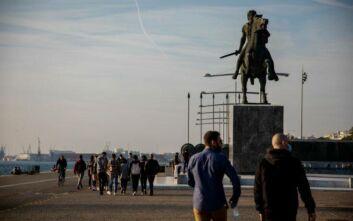 Κορονοϊός - Θεσσαλονίκη: Έλεγχοι στη Νέα Παραλία για την τήρηση των μέτρων κατά του κορονοϊού