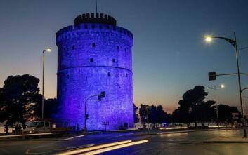 «Ντύθηκαν» στα μπλε Βουλή και Λευκός Πύργος για την ημέρα του Διαβήτη