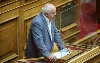 Ανέβηκαν οι τόνοι στη Βουλή για τα επεισόδια στο κέντρο της Αθήνας - «Η πολιτική μ@@@ και η ανοησία έχουν τα όριά τους»