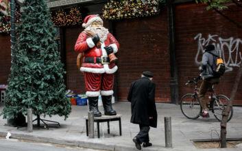 Κορονοϊός: Φόβοι για τρίτο κύμα της πανδημίας μετά τα Χριστούγεννα - Τι ανησυχεί τους επιστήμονες