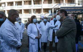 Επίσκεψη Τσίπρα στο «Γεννηματάς»: Η χώρα βιώνει μία τραγωδία