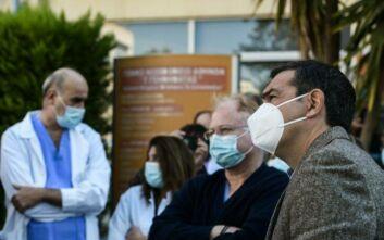 Τσίπρας προς γιατρούς και νοσηλευτές στο «Γεννηματάς»: Καμία δικαιολογία να μην ενισχυθεί το ΕΣΥ, μονάχα ιδεοληψία