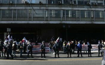 ΠΑΜΕ για απεργία: Η κυβέρνηση έσπασε ξανά τα μούτρα της