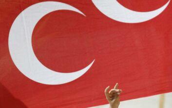 Η Τουρκία απειλεί τη Γαλλία με αντίποινα για τη διάλυση των Γκρίζων Λύκων