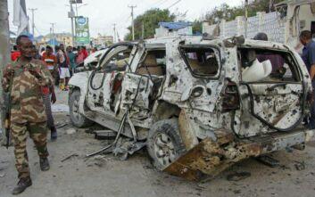Επίθεση βομβιστή αυτοκτονίας σε εστιατόριο στη Σομαλία - Τουλάχιστον έξι νεκροί
