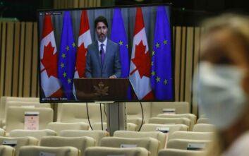 Τριντό σε Καναδούς για εμβόλιο Pfizer: Κάντε κουράγιο