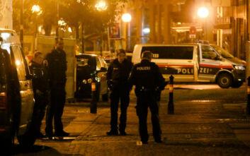 Τρομοκρατική επίθεση στη Βιέννη: Ο μακελάρης έδρασε μόνος του - Οι δύο συλληφθέντες στην Ελβετία ήταν φίλοι του