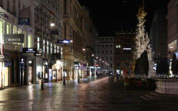 Ο κορονοϊός «σφυροκοπά» την οικονομία της Αυστρίας