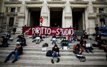 Ιταλία: 12χρονη μαθήτρια στο Τορίνο δίνει αγώνα για να ξανανοίξουν τα σχολεία