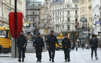 Στο εξτρεμιστικό ισλαμιστικό περιβάλλον και οι 15 συλληφθέντες για την επίθεση στη Βιέννη