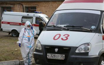 Ρεκόρ νέων κρουσμάτων για δεύτερη ημέρα στη Ρωσία - Ένα δεύτερο ρωσικό εμβόλιο θα αρχίσει να παράγεται μαζικά το 2021