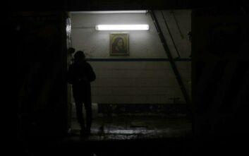 Ενισχύονται οι περιορισμοί στην Ευρώπη εν μέσω του δεύτερου κύματος της πανδημίας
