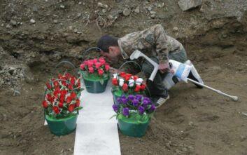 Ναγκόρνο-Καραμπάχ: Αρμενία και Αζερμπαϊτζάν αντάλλαξαν τις σορούς 200 νεκρών από τις μάχες στην περιοχή