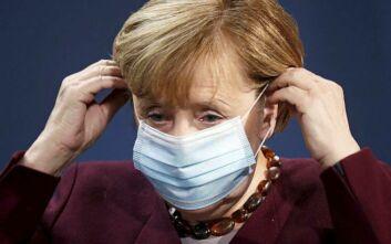Η Μέρκελ «ανησυχεί» για τη βραδύτητα των συνομιλιών για την παροχή του εμβολίου στις φτωχότερες χώρες