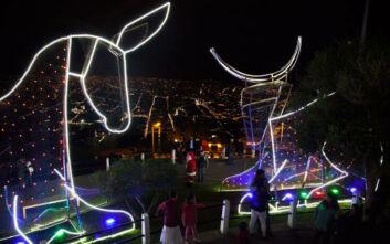 Ο κορονοϊός ακυρώνει Χριστούγεννα και Πρωτοχρονιά στον Ισημερινό