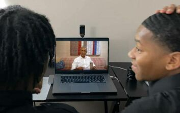 Ο Μπαράκ Ομπάμα εμφανίστηκε σε θαυμαστές του στο YouTube