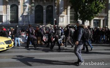Απεργία σήμερα: Έκαναν πορεία ανάποδα στη Σταδίου για να αποφύγουν την Αστυνομία