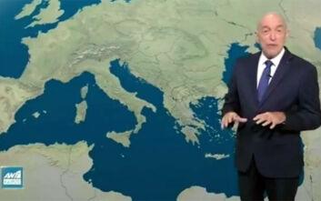 Σάλος με την ατάκα Αρνιακού: Διασωληνωμένοι αυξάνονται με φόντο λαμπιόνια που τρεμοσβήνουν σαν τις ελπίδες