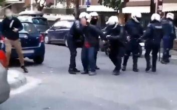 Σεπόλια: Αντιδράσεις για τη βίαιη σύλληψη φοιτητή - Με έμφραγμα νοσηλεύεται ο πατέρας του
