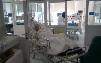 Συγκίνηση με 78χρονη που νοσηλευόταν με κορονοϊό και βγήκε από ΜΕΘ