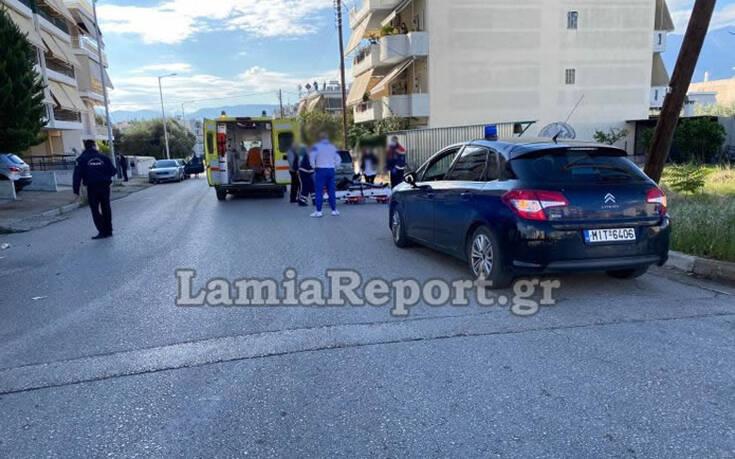 Σοβαρό τροχαίο με ντελιβερά στη Λαμία – Το μηχανάκι μετά τη σύγκρουση έπεσε πάνω σε δύο γυναίκες που περπατούσαν 8