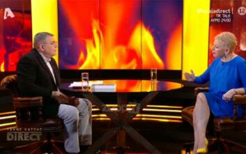 Έλενα Ακρίτα σε Τάκη Χατζή: Συμβαίνουν τα τέρατα - Μη με κοιτάτε αθώα, σας έχω δει και σας ξέρω