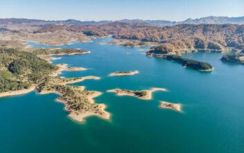 Η πιο ορεινή λίμνη της Ελλάδας από ψηλά