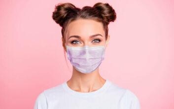 Πώς να επιτύχετε σταθερό makeup με μεγάλη διάρκεια κάτω από τη μάσκα
