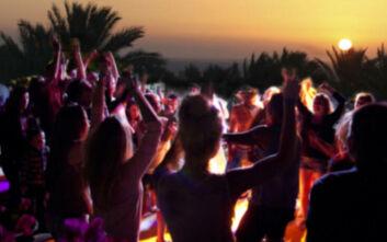 Ρόδος: Πάρτι με 80 τουρίστες στην παραλία λίγο πριν το lockdown