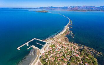Εντυπωσιακές εικόνες από ψηλά από την «Πολυνησία» της Ελλάδας