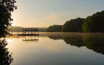 Η απόκοσμη ιστορία της στοιχειωμένης λίμνης Lanier στην Ατλάντα