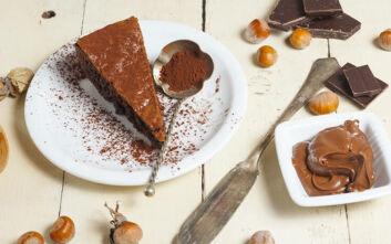 Κέικ νουτέλας με δύο υλικά