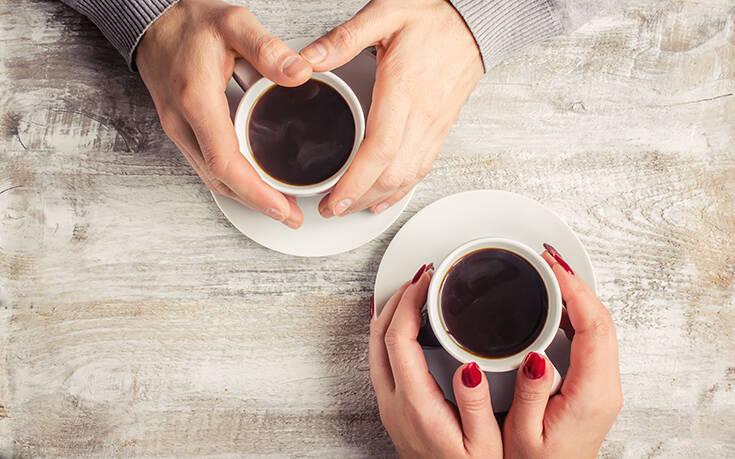 Το λάθος που κάνεις στον στιγμιαίο καφέ
