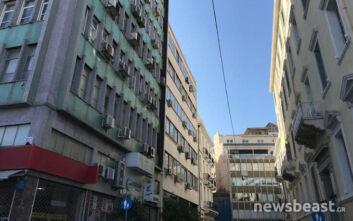 Άνδρας έπεσε στο κενό από τον 6ο όροφο κτιρίου στο κέντρο της Αθήνας