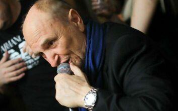 Χάρης Γαλανός: Έφυγε από κορονοϊό ο εμβληματικός τραγουδιστής του Elysee στο Λονδίνο