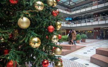 Άρωμα Χριστουγέννων εν μέσω πανδημίας στη Θεσσαλονίκη - Δείτε εικόνες από τον στολισμό