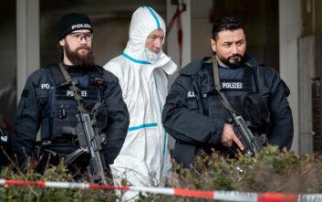Οι Γερμανοί απαγόρευσαν τους νεοναζί της «Wolfsbrigade 44» - Σε έρευνες βρέθηκαν μαχαίρια, ματσέτα και βαλίστρα
