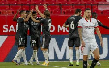 La Liga: Η Ρεάλ νίκησε στη Σεβίλλη και ο Ζιντάν κράτησε τη δουλειά του