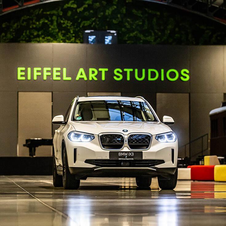 Η BMW iX3 πήγε στην… Όπερα και προτίθεται να αλλάξει τους κανόνες του παιχνιδιού