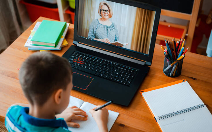 Voucher 200 ευρώ σε μαθητές και φοιτητές για αγορά laptop και tablet